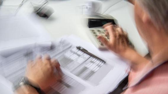 Arbeitgeber fordern Debatte über längere Lebensarbeitszeit