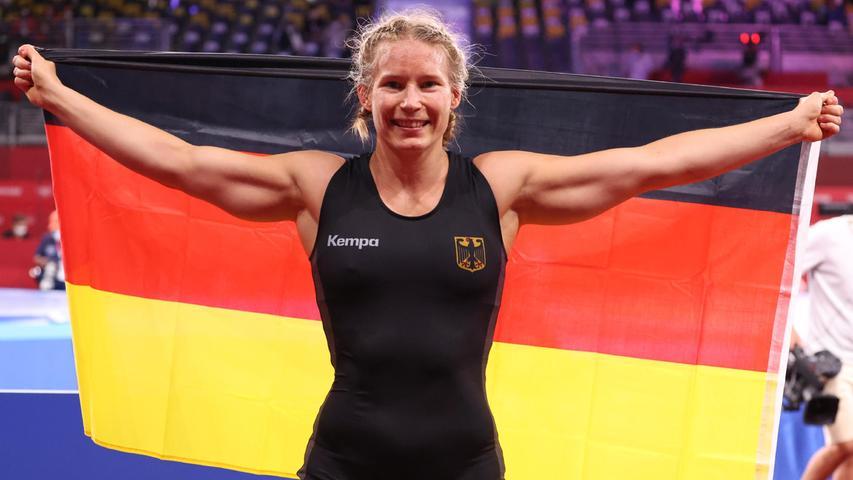 Die frühere Weltmeisterin sicherte sich im letzten Kampf ihrer Karriere olympisches Gold. ImFinale der Gewichtsklasse bis 76 Kilogramm gewann die 30-Jährige mit 7:3 gegen die favorisierte Amerikanerin Adeline Gray.