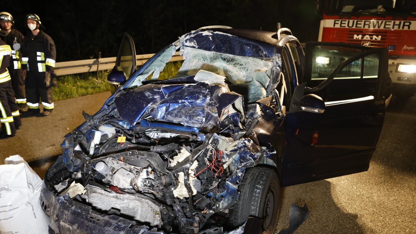 Bei einem Verkehrsunfall am Montag verletzte sich ein Autofahrer.