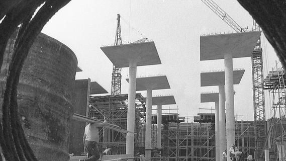 4. August 1971: Behälter bei Krottenbach faßt rund 60 000 Kubikmeter