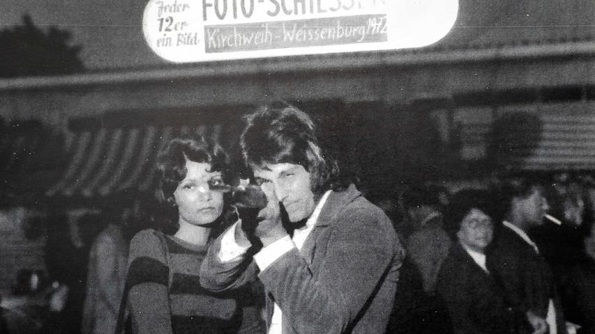 Fotos des Selfie-Königs: Von Schlaghosen zu 90er-Jahre Frisuren