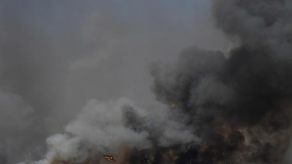 Waldbrände in Südeuropa toben weiter - Ehepaar aus Deutschland tot