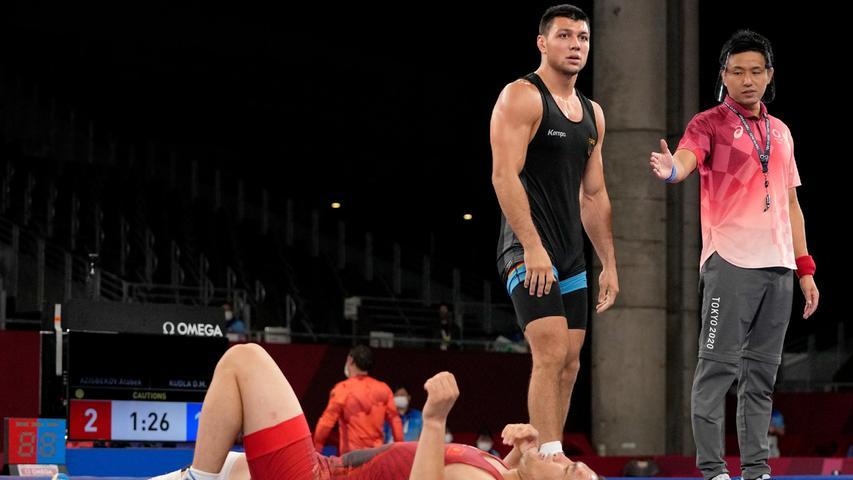 Nach dem dreimaligen Ringer-Weltmeister Frank Stäbler hat auch dessen Teamkollege Denis Kudla bei den Olympischen Spielen in Tokio die Bronzemedaille gewonnen. Der 26-Jährige aus Schifferstadt besiegte in einem der kleinen Finals der Gewichtsklasse bis 87 Kilogramm den Ägypter Mohamed Metwally. Kudla hatte schon bei den Spielen 2016 in Rio de Janeiro Bronze geholt. Nach Gold durch Aline Rotter-Focken (bis 76 kg) waren es bereits die Medaillen zwei und drei für den Deutschen Ringer-Bund (DRB) beim diesjährigen Event in Japan.