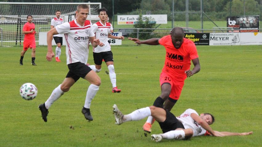 Bilder von der 0:1-Niederlage des TSV 1860 Weißenburg gegen Türk/Cagri Nürnberg