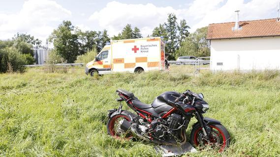 Motorradfahrerin im Landkreis Fürth schwer verletzt