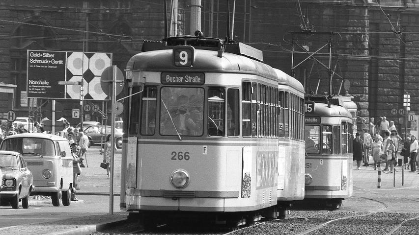 Die Nürnberger Straßenbahn, genauer gesagt die Verkehrs-Aktiengesellschaft (VAG), fuhr 1970 mit Macht ins Defizit. Hier geht es zum Kalenderblatt vom13. August 1971: Straßenbahnen ein Faß ohne Boden
