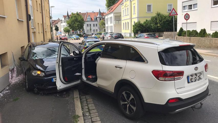 Schwerer Unfall in Schwabach: Fahrer reanimiert
