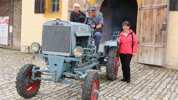 Traktor Marke Eigenbau: Der Zugvogel tuckert nun übers Museumsgelände