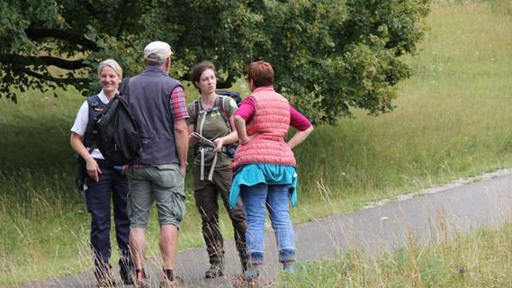 Polizei und Naturpark-Ranger klären Touristen in der Fränkischen Schweiz auf
