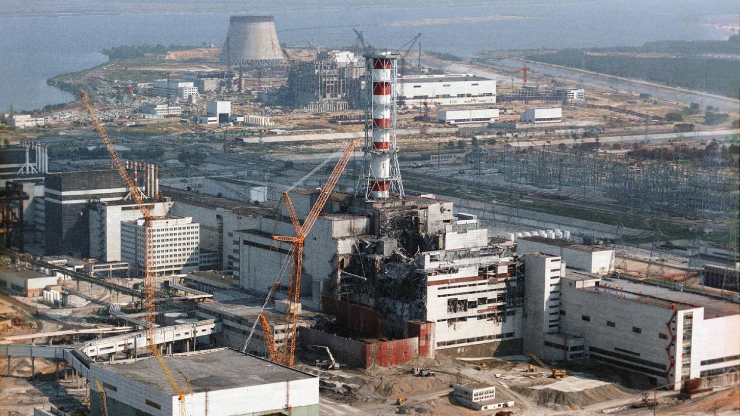 Der Reaktorblock 4 desAKW Tschernobyl nach der Katastrophe.