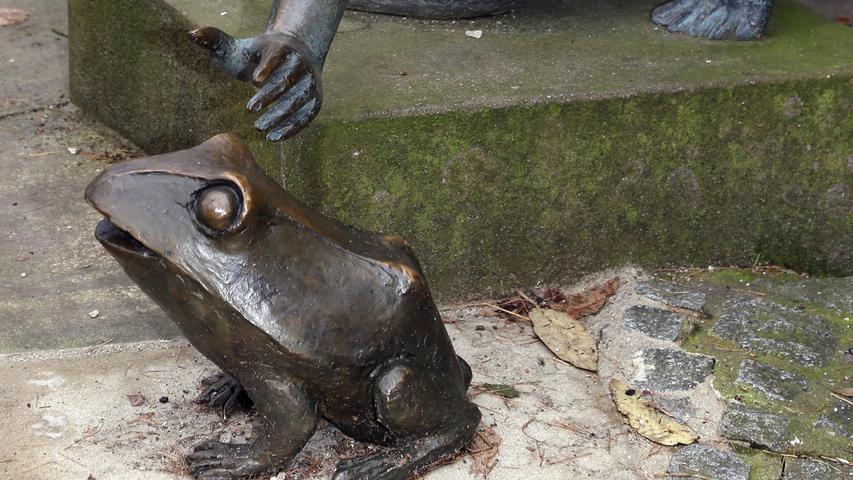 Im Nürnberger Stadtpark ist der Frosch kein König