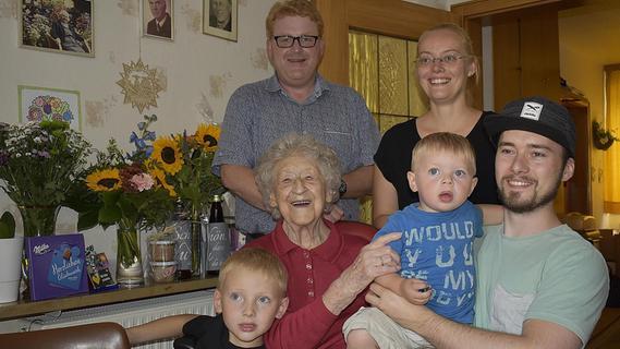 Königsteinerin Anna Merkl feiert 100. Geburtstag