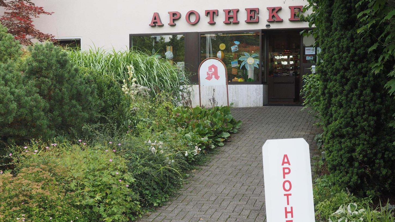 """Ende September ist Schluss: Hubert Schug muss seine Apotheke in Betzenstein wegen Personalmangels schließen. Die Vorschriften verlangen, dass ein Apotheker """"leibhaftig"""" da sein muss."""