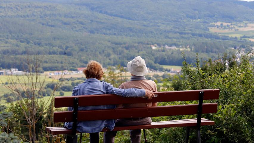Bestes Sommerwetter: Die Fränkische Schweiz lockt Urlauber und Ausflügler