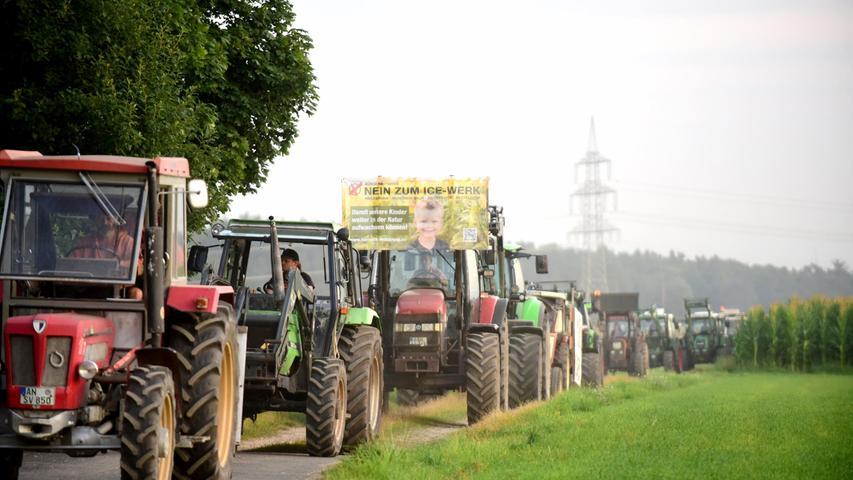 Breiter Protest in Raitersaich mit großer Traktoren-Demo