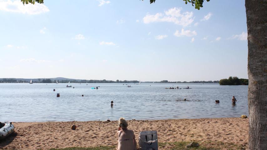FOTO: 14.8.2021; Marianne Natalis MOTIV: Altmühlsee; Strände; heißes Sommerwochenende; Seezentrum Schlungenhof