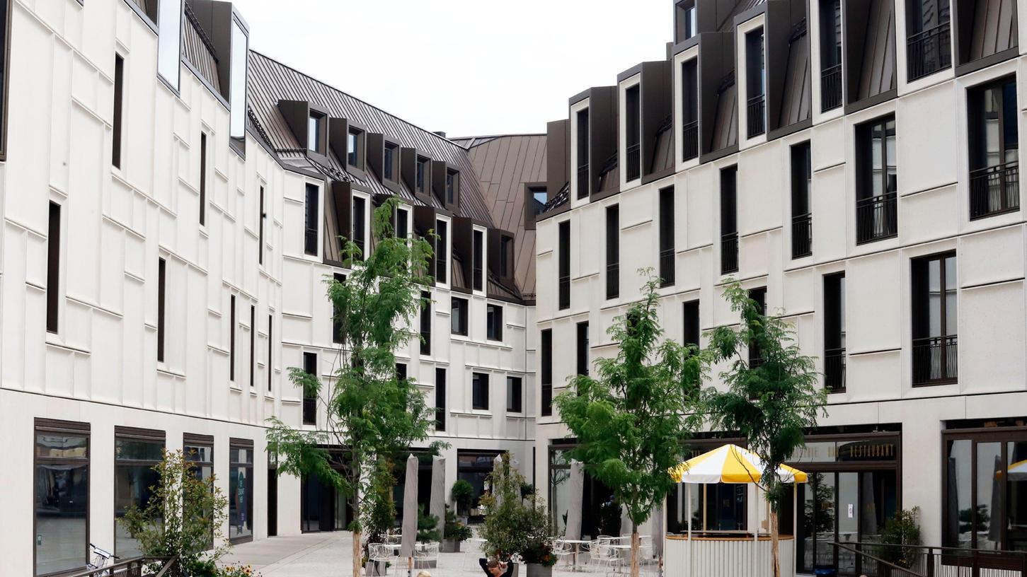 Das Zukunftsmuseum am Augustinerhof (links) eröffnet im September.