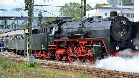 Tut, tut! Dampflok rattert wieder nach Gunzenhausen und Wassertrüdingen
