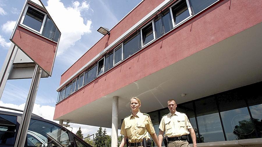 In der Polizei-Inspektion Fürth wird gute Arbeit geleistet. Fürth war und bleibt die sicherste Großstadt in Bayern.