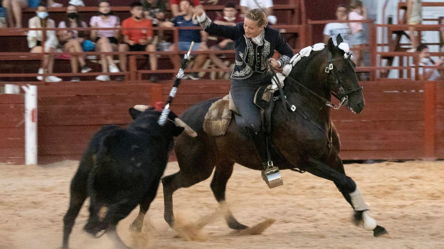 Clara Sofie Kreutter erlegte am Montag, 16. August, bei einem Stierkampf als erste deutsche Torera in Spanien zwei Rinder.