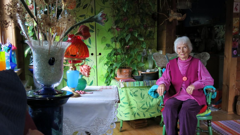 Das Gesamtkunstwerk von Haus und Garten ist der Lieblingsplatz von Mirjami Ärmänen  aus Eckental.