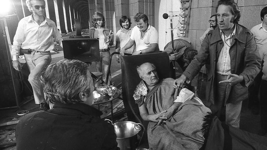 Gestern war der erste Nürnberger Drehtag des ZDF-Teams, das unter der Regie des Polen Andrzej Wajda die Passionsgeschichte nach vier Episoden aus dem Roman Michail Bulgakows