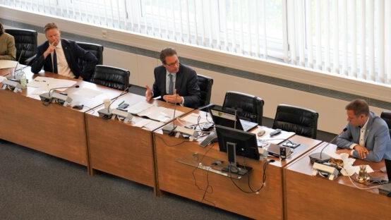 Minister unterstützt Elektrifizierung: