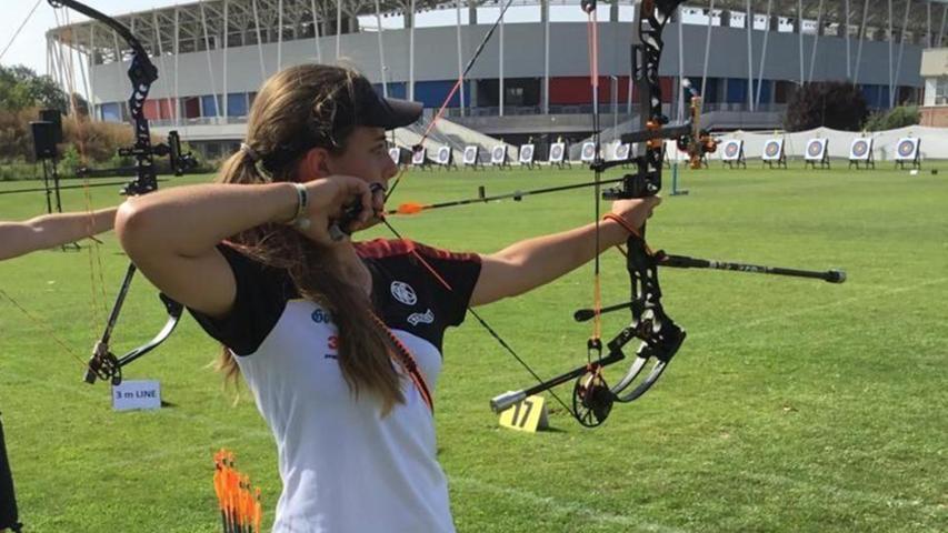 Neuling bei der WM: Fränkische Bogenschützin mischt international mit