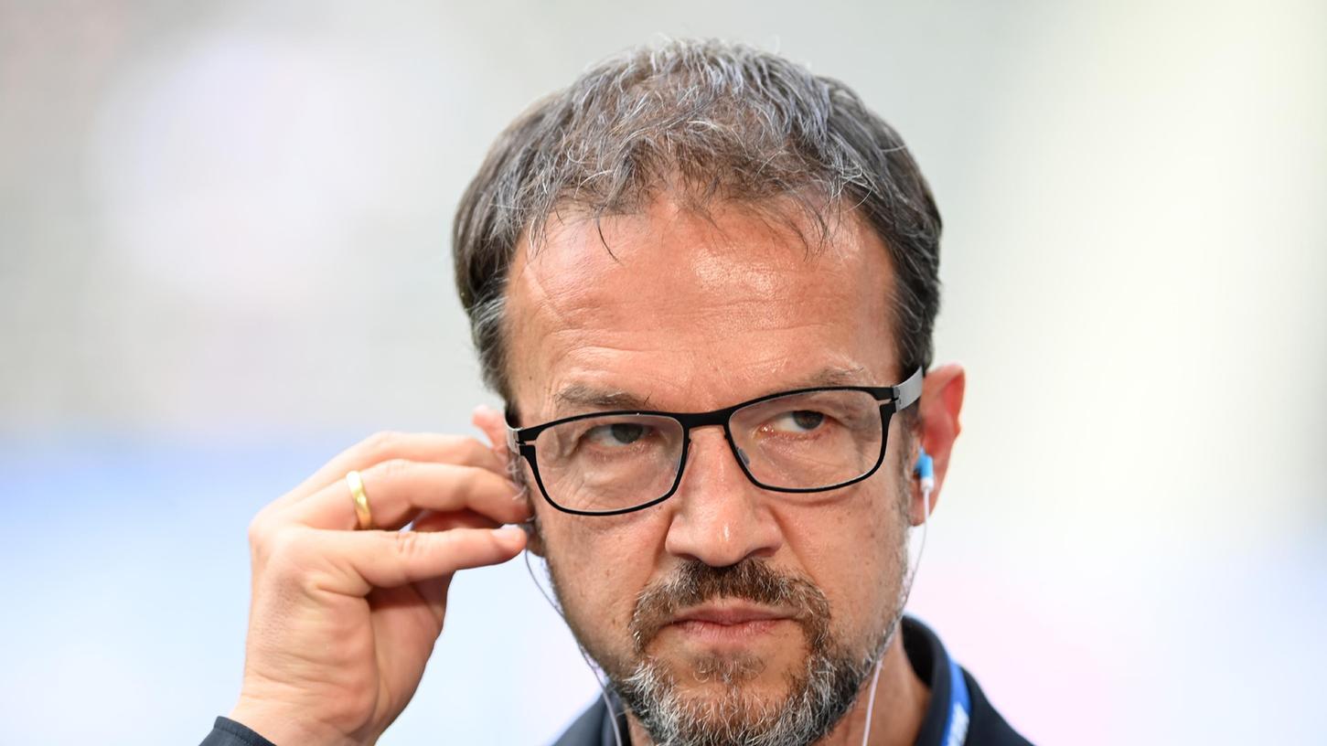 Hertha-Geschäftsführer Fredi Bobic will endlich wieder volle Stadien in der Fußball-Bundesliga.