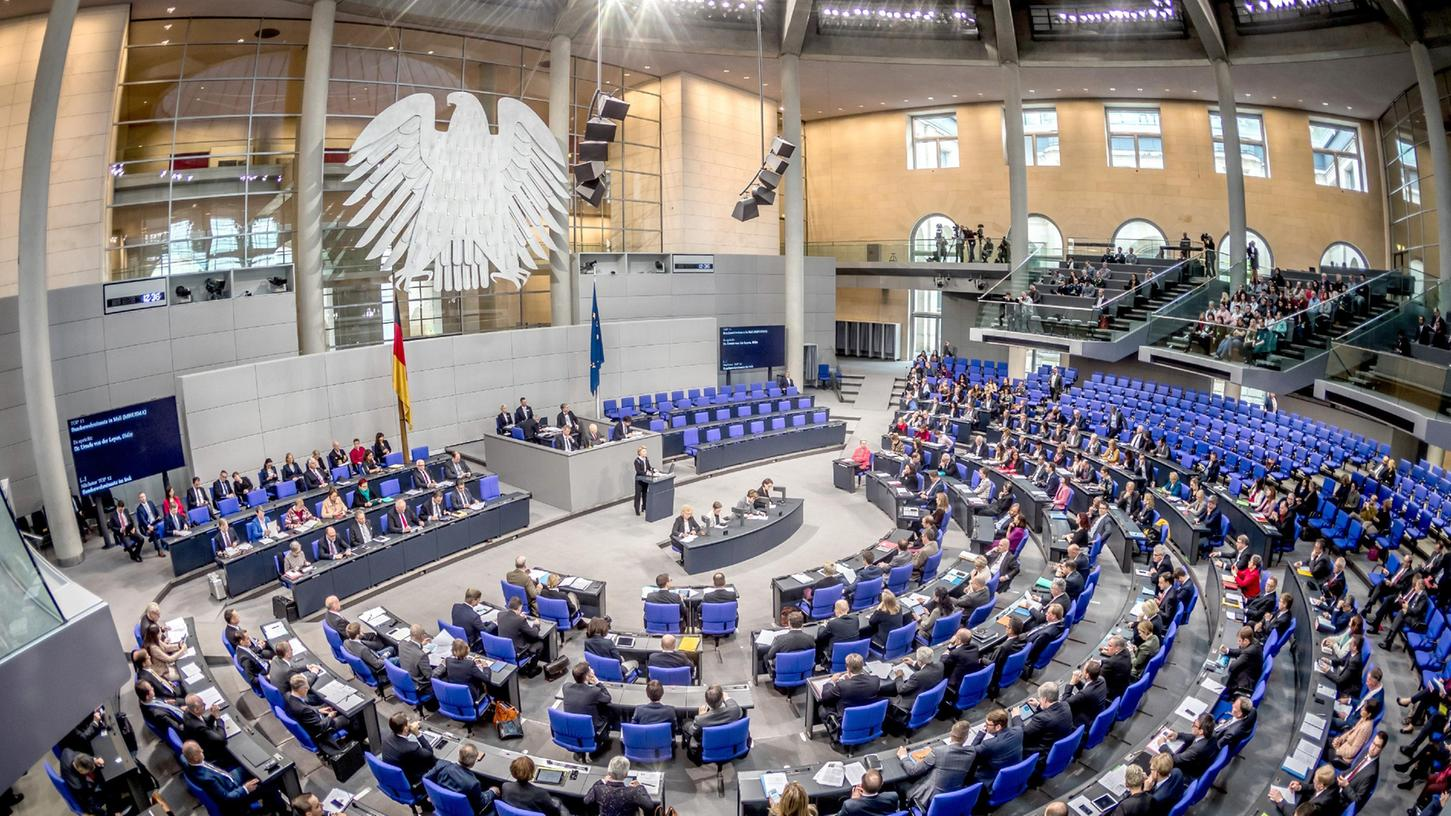 Da wollen sie rein: Elf Männer und zwei Frauen bewerben sich um das Direktmandat des Wahlkreises 246 Roth für den Bundestag.