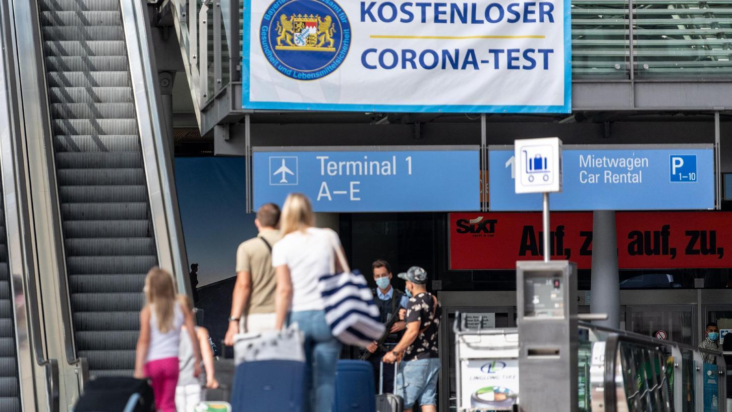 Sind aus Sicht des Weißenburger Landratsamts der Grund für die zuletzt sprunghaft steigenden Inzidenzen. Reiserückkehrer vor allem aus den Balkan-Ländern.