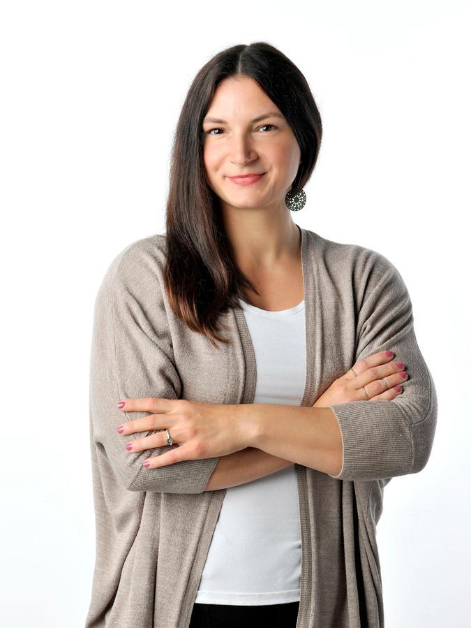 Anna-Carina Häusler tritt bei der Bundestagswahl 2021 als Direktkandidatin für die Freien Wähler im Bundeswahlkreis 242 Erlangen an.