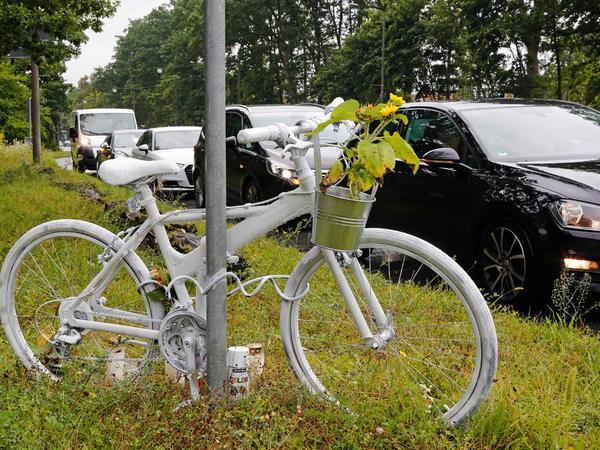 Nürnbergs viertes Ghostbike steht anEcke Regensburger Straße/Hans Kalb-Straße