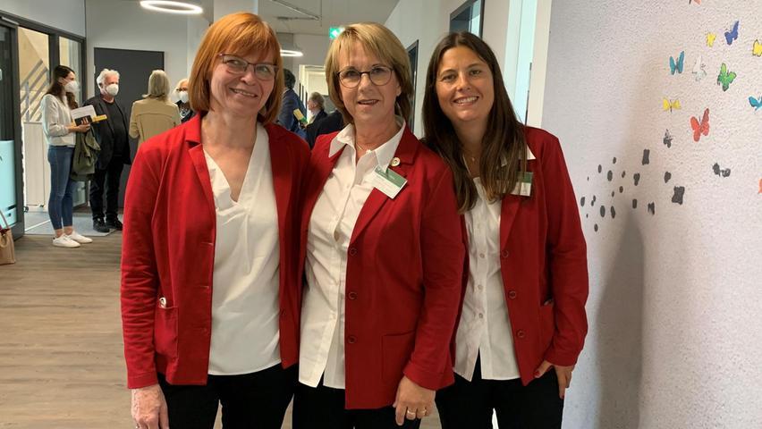 Das Herz des Hospizvereins sind 125 ehrenamtliche Hospizbegleiter. Sie werden von den hauptamtlichen Koordinatorinnen Monika Neumann (v. li.), Angelika Hecht und Katharina Billmann unterstützt, deren Büros jetzt auch im neuen Quartier zu finden sind.