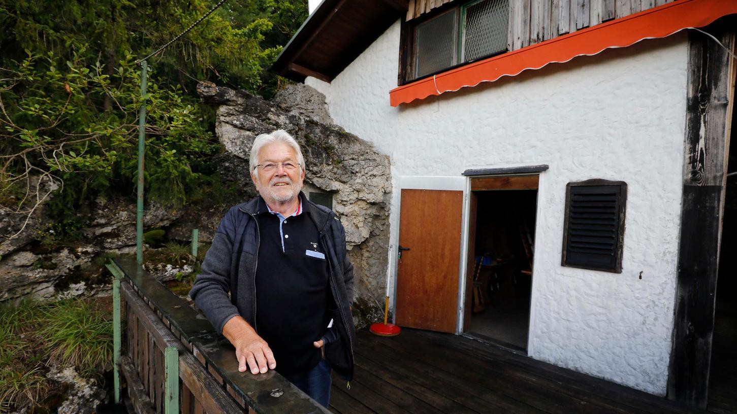 Ruhe und tolle Aussicht: Die Terrasse der TC Enzian-Hütte hoch über dem Hirschbachtal ist ein Lieblingsplatz von Ulrich Büttner.