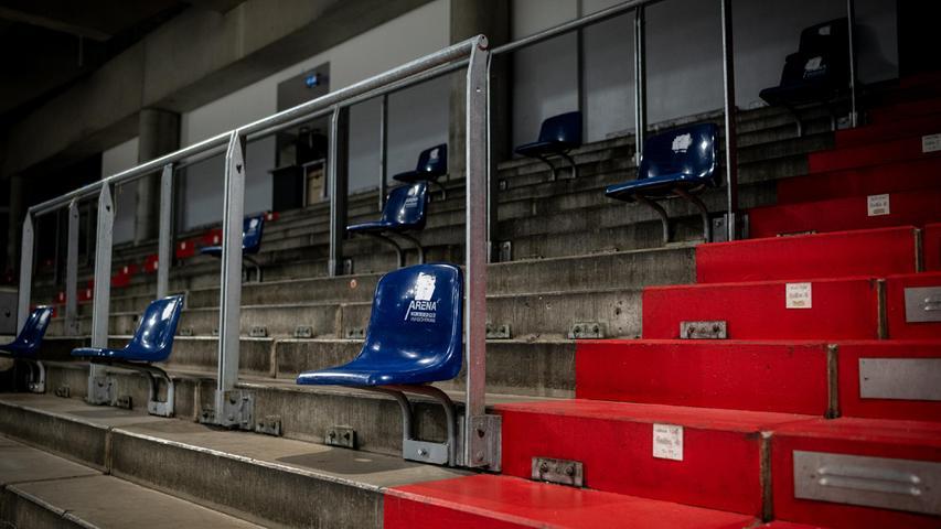 Das Bild wurde nach der Pressekonferenz aufgenommen. Der HCE und die Ice Tigers hoffen aber immer noch darauf, dass esin der zweiten September-Woche in der Arena wieder voller ist.