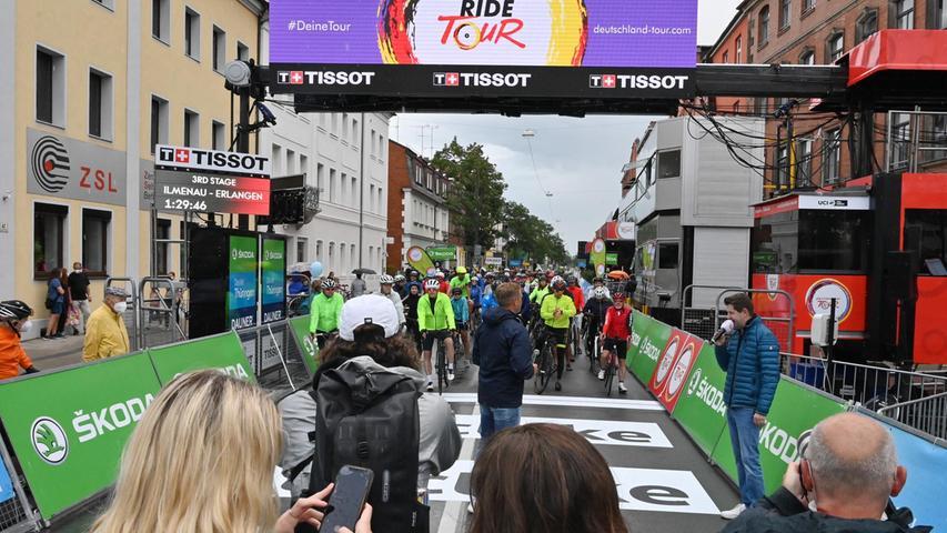 Die Deutschland Tour, das größte nationale Etappenrennen im Straßenradsport, war am Samstag zu Gast in Erlangen. Im Vorfeld der Zieldurchfahrt am dritten Tour-Tag gab es einige Aktionen in der Stadt.