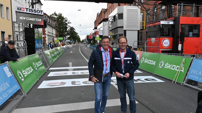 Sie hatten das Radsport-Fest in Erlangen organisiert:UlrichKlement (rechts), der Leiter des Sportamts,und Christian Frank, Chef des City-Managements.