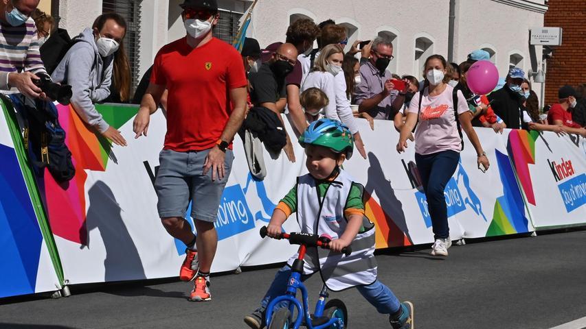 Deutschlandtour in Erlangen.  Mini Tour Laufradrennen. Foto: Klaus-Dieter Schreiter