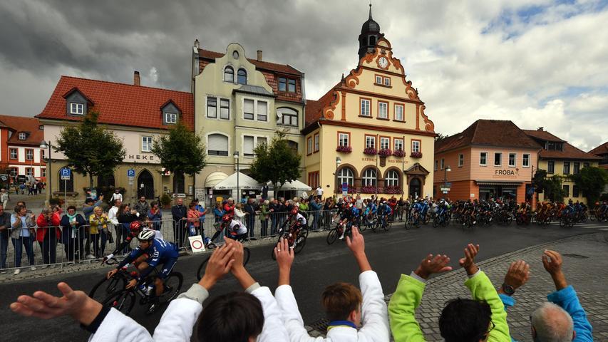 Über 193,9 Kilometer führte die Etappe erst durch Thüringen und dann nach Bayern, hier ein Foto aus Bad Rodach.