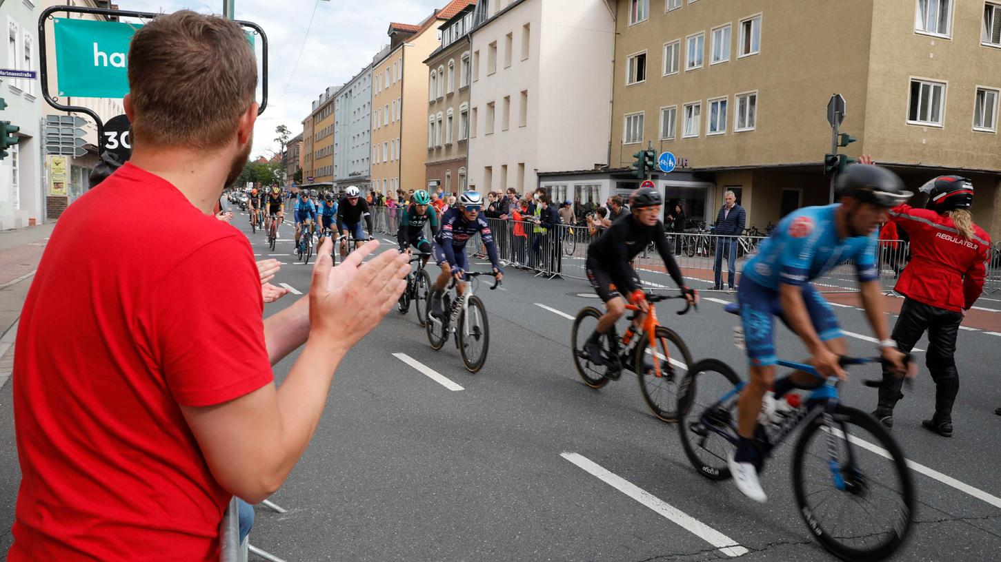 Die Deutschland Tour in Erlangen: Viele Zuschauer waren am Samstag an die Strecke gekommen.