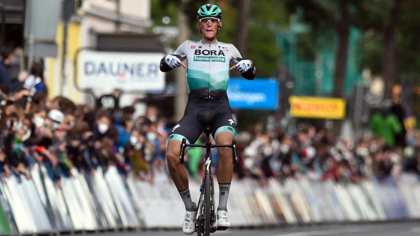 Nils Politt vom Team Bora-Hansgrohe konnte am meisten Dampf machen - und fuhr schließlich einen Solo-Sieg ein.