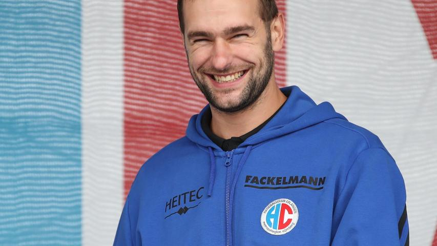 29.08.2021 --- Handball --- 1. Bundesliga LIQUI MOLY HBL --- Saison 2021 2022 ---  Saisoneröffnung HC Erlangen Metropolregion Nürnberg HCE --- Foto: Sport-/Pressefoto Wolfgang Zink / DaMa ---   Patrik Leban (57, HC Erlangen HCE ) lacht freut sich
