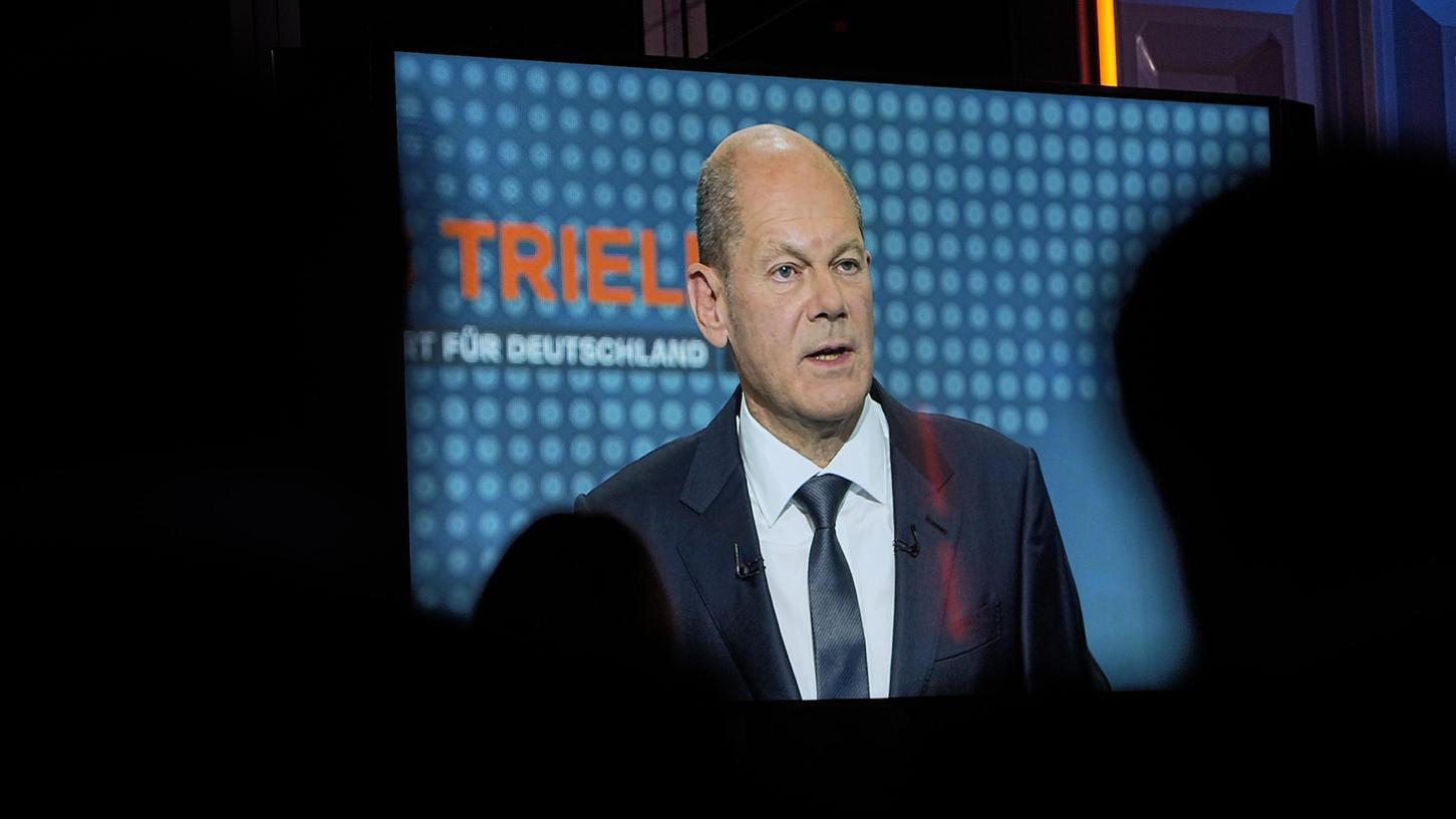 Olaf Scholz laut Forsa-Umfrage Sieger im ersten TV-Triell.