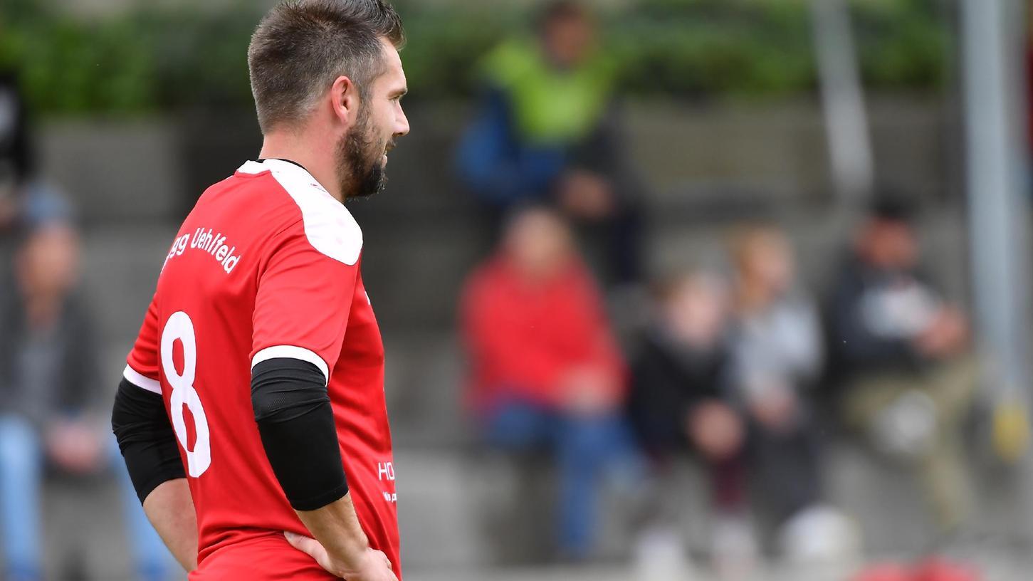 Hat eine schwierige Aufgabe übernommen: Florian Gräf ist Spielertrainer in Uehfeld. Auf einen Sieg in diese Funktion wartet er noch.