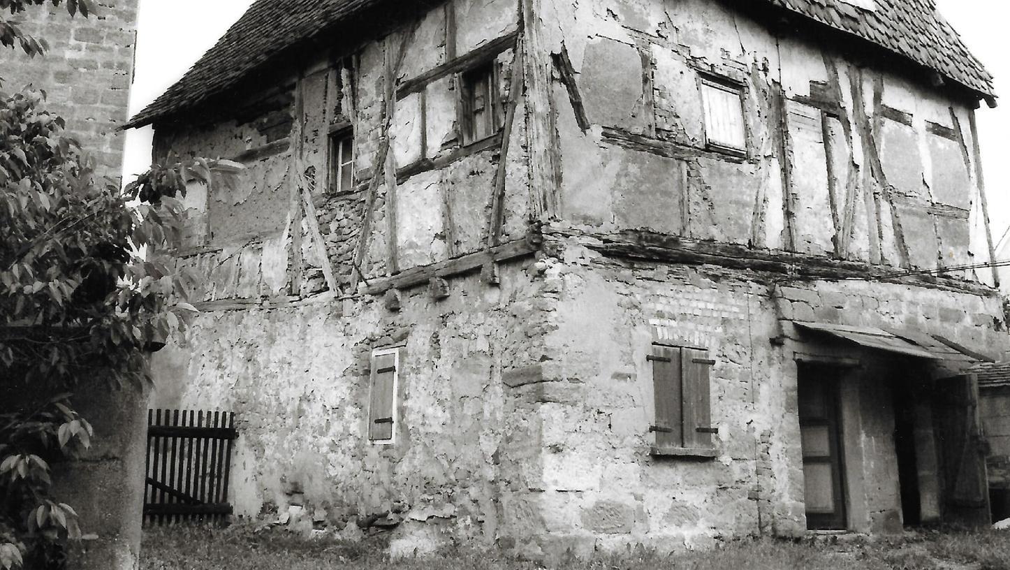 In den 1980er Jahren ein Sorgenkind des Denkmalschutzes: Das Haus An der Kapell 1 in Heideck.