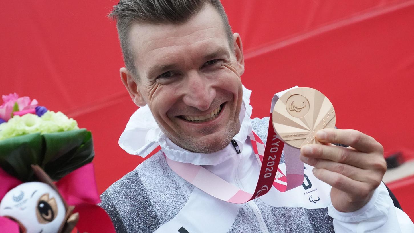 Siegerlächeln: Matthias Schindler freut sich über seine Bronzemedaille in Tokio.