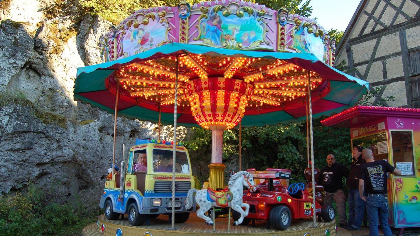 So könnte es auch dieses Wochenende wieder in Betzenstein stehen: Das Mini-Karussell der Schausteller-Familie Wild. Doch das Landratsamt Bayreuth erteilt keine Erlaubnis.