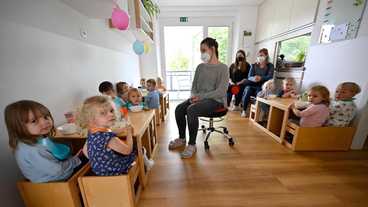 Gemeinsames Mittagessen in neuen Räumen: Die Kinderkrippe