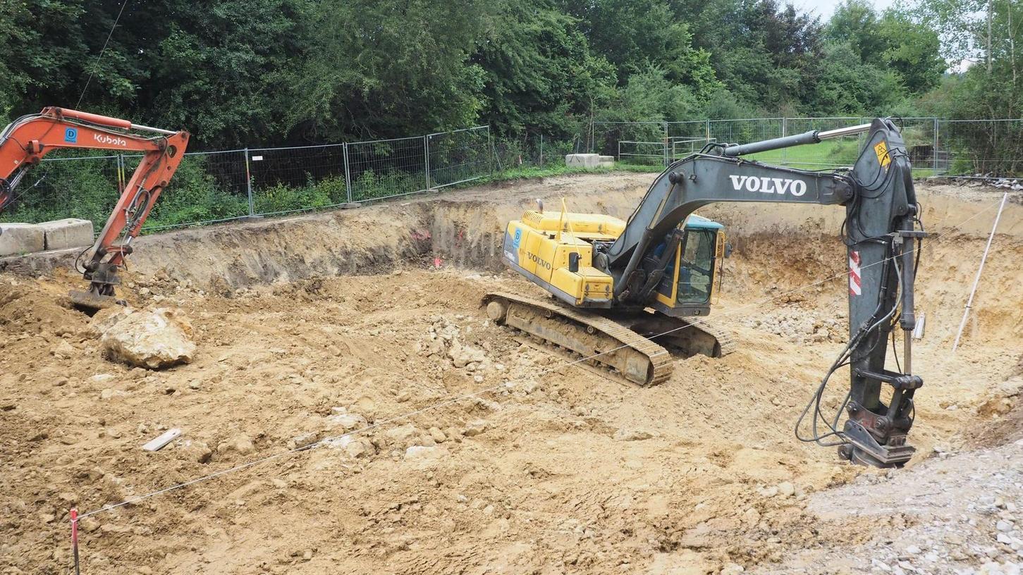 Die Arbeiten für das Pumpwerk Weidensees haben jetzt begonnen. Die Kosten für den Bau sollen rund 1,67 Millionen betragen. Dazu kommen noch Zusatzkosten von rund 255 000 Euro.